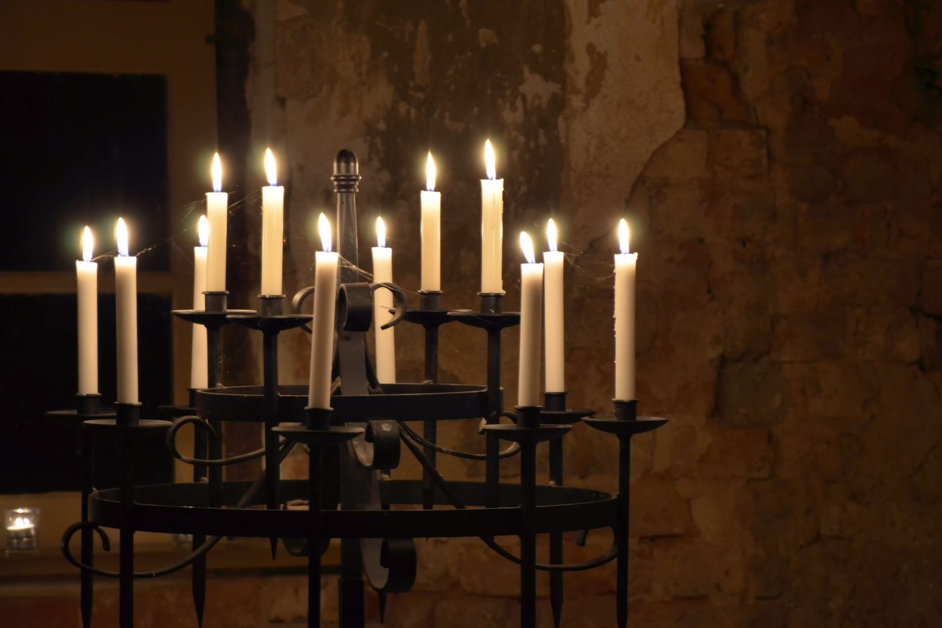 candlestick-1342415_1920